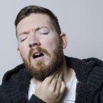 長引く喉の痛みや痰と咳が続いて治らない原因はタバコやがん?